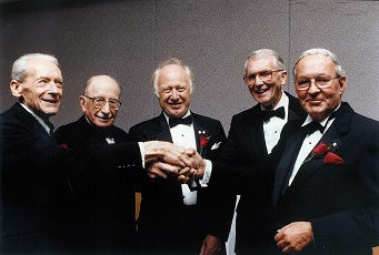 1995 Inductees posing for photo