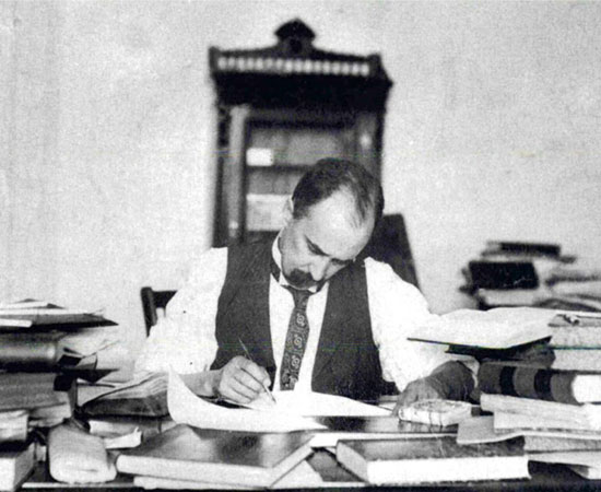 Picture of Sir William Osler at work