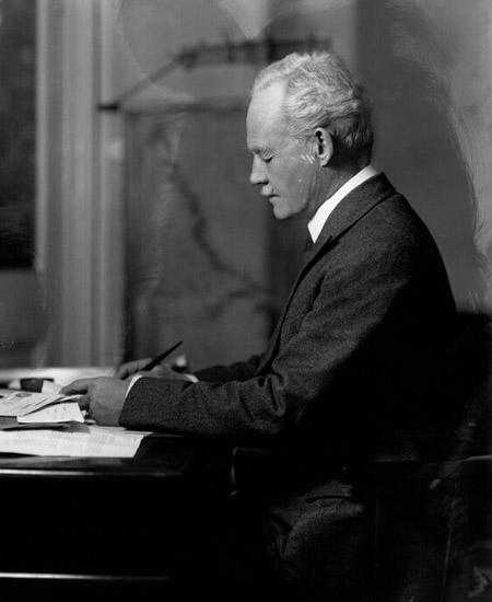 Picture of Sir Wilfred Grenfell, MD
